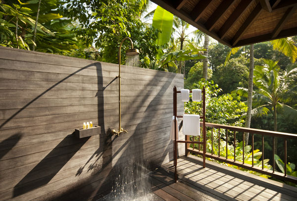2BR_Retreat_Villa_Outdoor_Shower